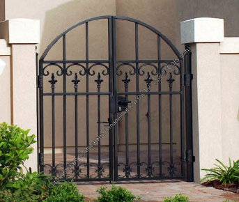 Courtyard Gates, Walk through the courtyard, walk gates, gareden gate courtyard gates image